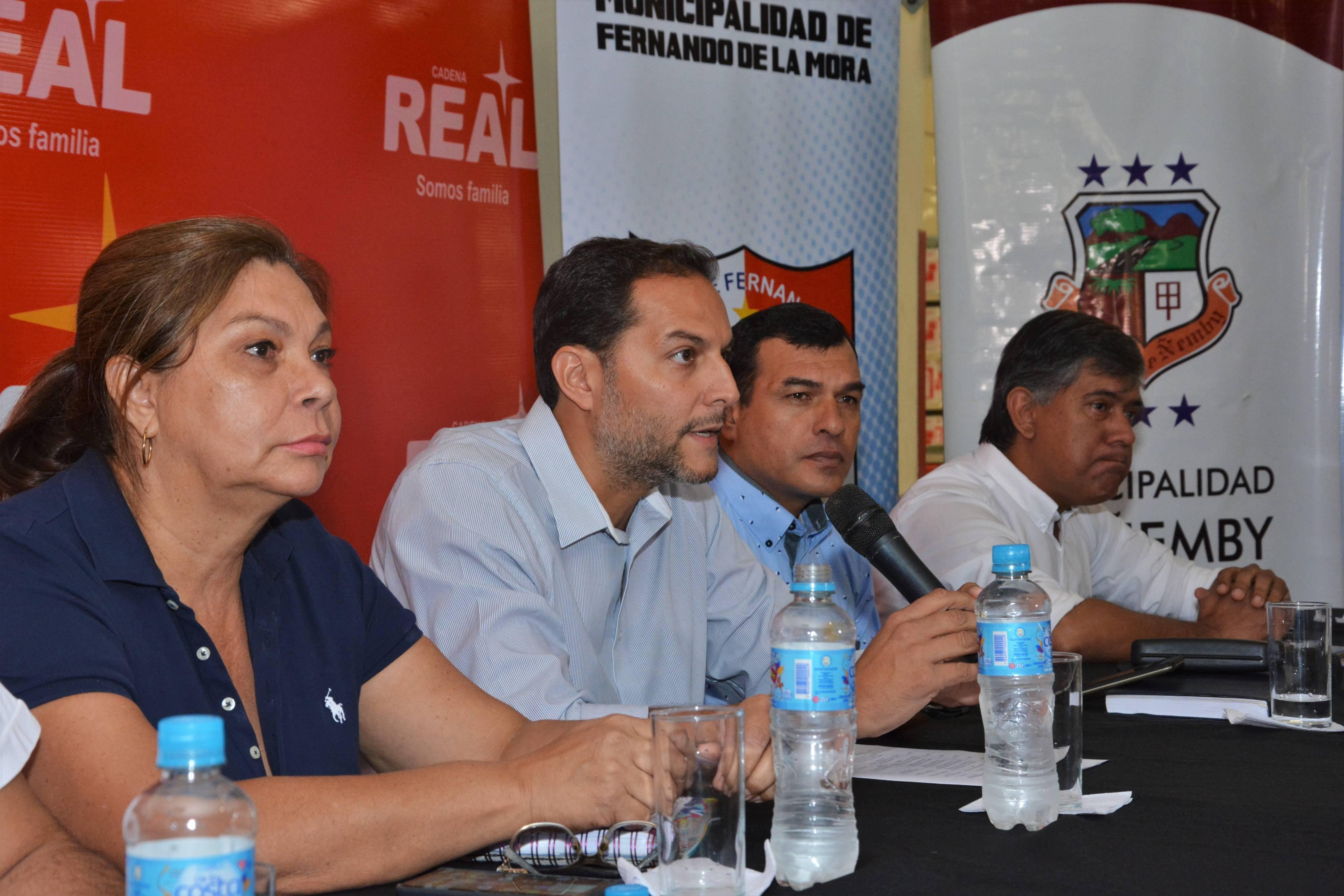 """""""El único camino que tenemos para luchar contra el Dengue es uniendo fuerzas entre el sector público y el privado"""""""