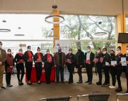 Cajeras de Supermercados Real reciben reconocimiento en el marco del Redondeo Solidario